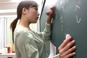 黒板からちんこ生えてきてフェラ