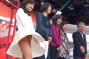 【画像】女子アナを襲ったパンチラハプニング25連発!