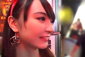 (シロウト)ハロウィンの渋谷でキャッチした色っぽいロケット乳魔女をお持ち帰り