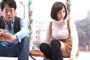 友達関係のリアル素人大学生が日本一エロ~い車MM号の中で二人っきり