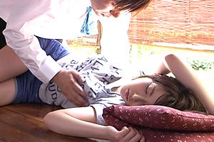 夏の暑い日。びっしょりと寝汗を掻いて縁側で眠るJKに欲情!