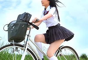 石垣島の美少女JKとビショ濡れでヤリまくった