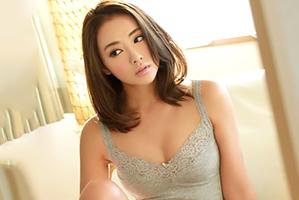 【盗撮】36歳になっても魅力的で情欲をかき立てるセクシー妻を寝取る