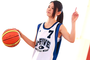 プロバスケ選手を目指す北欧ハーフの8頭身美少女AVデビュー!