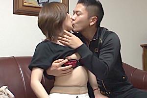 【素人】既婚者とは思えない若々しいカラダの人妻をキスで落としてヤる!