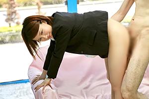 【素人】企業説明会に向かうスーツ姿の美人就活生をMM号に連れ込んで…