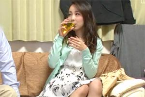 【鬼畜】シングルファザーが人妻を本気口説き 盗撮映像がコチラ