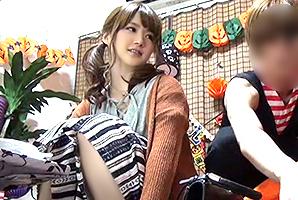 【盗撮】ハロウィンの仮装しに来た女友達と出かける前にセックス!