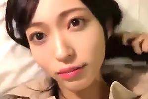 生々しく響くパンパンパン…NGT山口真帆がハメ撮り生配信!?