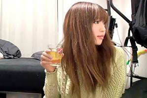 【盗撮】居酒屋デートで飲ませまくって連れ込んだ爆乳OLをヤる!