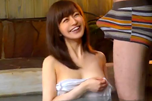 王様ゲームでめっちゃ可愛い人妻と一緒に温泉入ることになった結果www