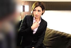 【盗撮】出張先のホテルで同僚に食われる超美人キャリアウーマン