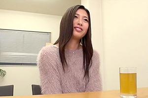 橋口りおな 経験人数たったの1人の現役女子大生AVデビュー!!