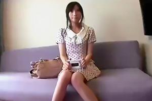 【素人】謝礼に釣られてホテルまで来てしまった水玉ワンピの女子大生