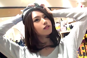 【素人】SNSでナンパしたセレブ感漂うスレンダー美女をハメ撮り!
