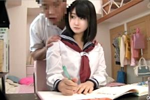 【盗撮】爆乳な受験生がロリコン教師に犯される・・・