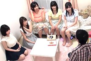 【素人】名門大学の女子寮に忍び込み巨乳5人とハーレム体験!