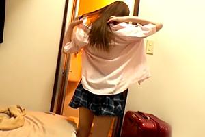 「シャワー貸してね」JKの円光動画