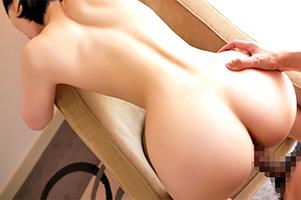 【素人】美しい曲線の腰つき!容姿端麗キャビンアテンダント