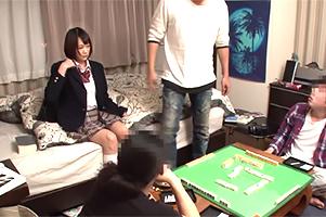 夏休みに上京してナンパされた大学生のヤリ部屋で回されるJK