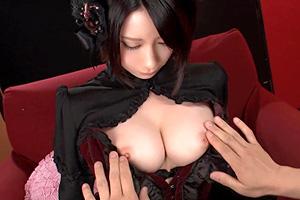鷹宮ゆい 激カワな美乳コスプレイヤーと最高のセックス!