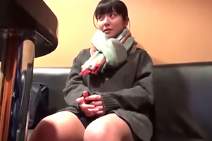 【個人撮影】持田香織似の女子校生のカラオケボックス円光!