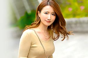 和泉早妃 動画投稿サイトで『神の騎乗位』と呼ばれた人妻がAVデビュー!