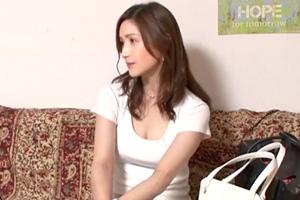 【盗撮】超美形なアラフォー主婦がイケメンに抱かれる・・・