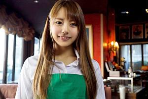 こんな可愛いカフェ店員が変態プレイで逝きまくる!?