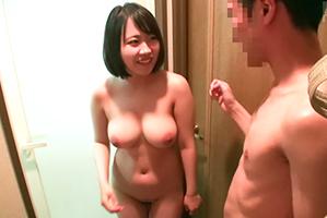 「す、すげー乳!!」女子大生専門デリヘルで大当たりの爆乳娘と生本番!