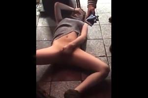 【個人撮影】渋谷の飲み屋街で泥酔した女性を寄ってたかって…