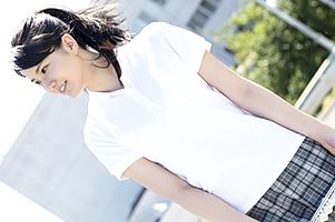 美人・長身・巨乳の三拍子揃った三重県の事務員AVデビュー!