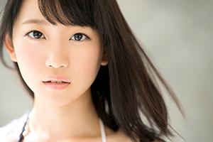 絶対的な透明感!18歳、岡山が生んだ奇跡の美少女AVデビュー