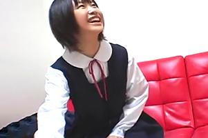 【盗撮】制服脱いだら凄いガリ巨乳中×生との円光を隠し撮り!