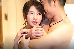【素人】反応が可愛すぎる桜色乳首の超美人OLを連れ込んで…
