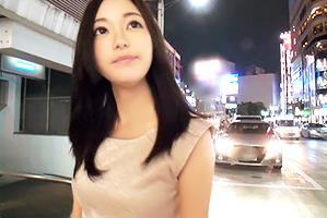 【素人ナンパ】夜の新宿で遠目でも分かる清楚美女をゲット!