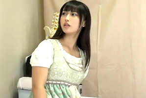 【盗撮】安産型のムチムチした下半身を歌舞伎町の整体院で犯される和風美人ショップ店員