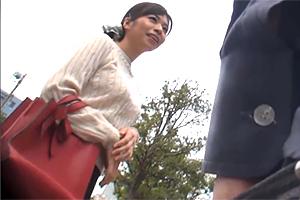 【盗撮】同じアパートのGカップ奥様をなんぱ!SEXフレンドになって中出し三昧!