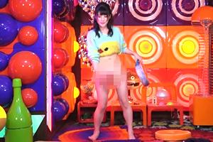 【放送事故】仮面女子の神谷えりながアキラ100%の裸芸に挑戦するも失敗しマンコ丸出しにw
