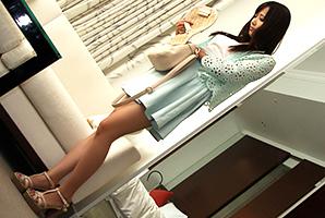 【素人】セックスレス2年で溜まった性欲が爆発する長身モデル級の美人保母さん