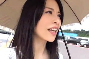 「お礼はカラダ」日傘をさした上品なアラフォー美魔女妻がSEX三昧のHitch hike旅行!