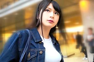 【素人ナンパ】上玉です!新宿駅西口でおっぱいが突き出た黒髪美人女子大生をゲット!