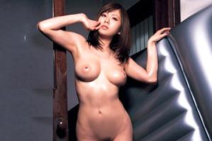 「ソープの気持ちよさ、体感して」日本最高峰のパーフェクトボディ美女がシロウトさんの家に出張!