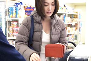 「むちむちしたエロい身体しやがって…」スーパーの精豪店長に住所特定されて犯される色白爆乳奥様