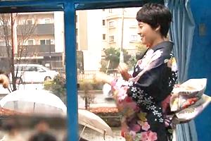 【素人】京都のベリーショートJDが初詣帰りに友人たちの前で野球拳!全部脱がせて公開SEX!