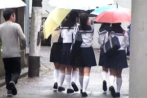 名門女子校の通学路で待ち伏せして高×生グループをナンパ!実家に上がり込んで中出し6P!