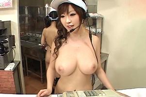 『うっひょー!すげー乳!』スマイル0円のバーガーショップで時間STOPして強姦三昧!