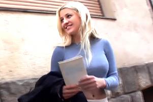 『ヤらせて?』ロシアで路上ナンパ!単刀直入にお願いしたらOKしてくれたスタイル抜群美女!