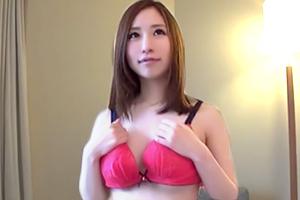 すぐヤレる女が多いと噂の大宮でナンパ。ピンク乳首の22歳Fカップ公務員をゲット!