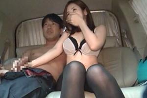 【素人ナンパ】彼氏がいなくてオナニーばっかしてる23歳美人受付嬢。2年ぶりのチンポに発情!車内でSEX!